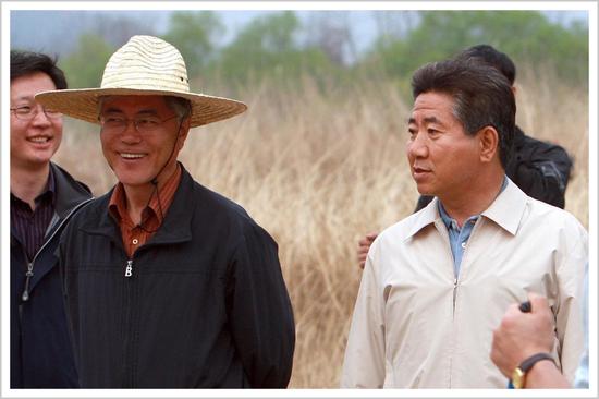 ▲卢武铉(右)与文在寅